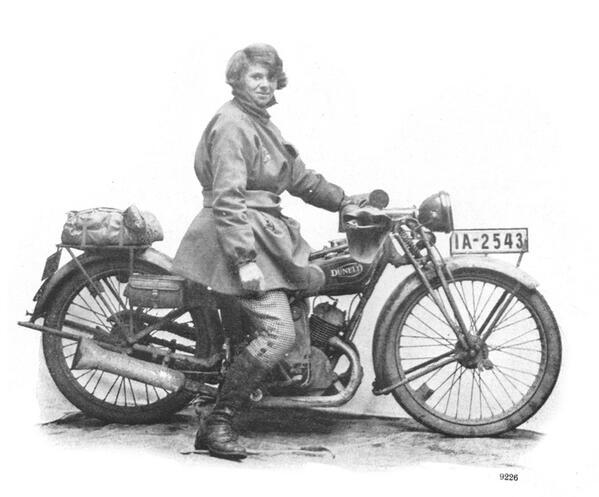 Suzanne Kroerner from Germany rode a Dunelt non-stop from Berlin to Birmingham in 1927.