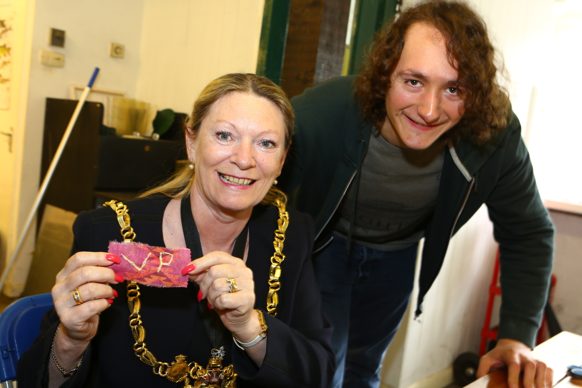 The Lord Mayor leaves her mark on the rag rugging project